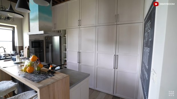 Фотография: Прихожая в стиле Эклектика, Кухня и столовая, Гид – фото на INMYROOM