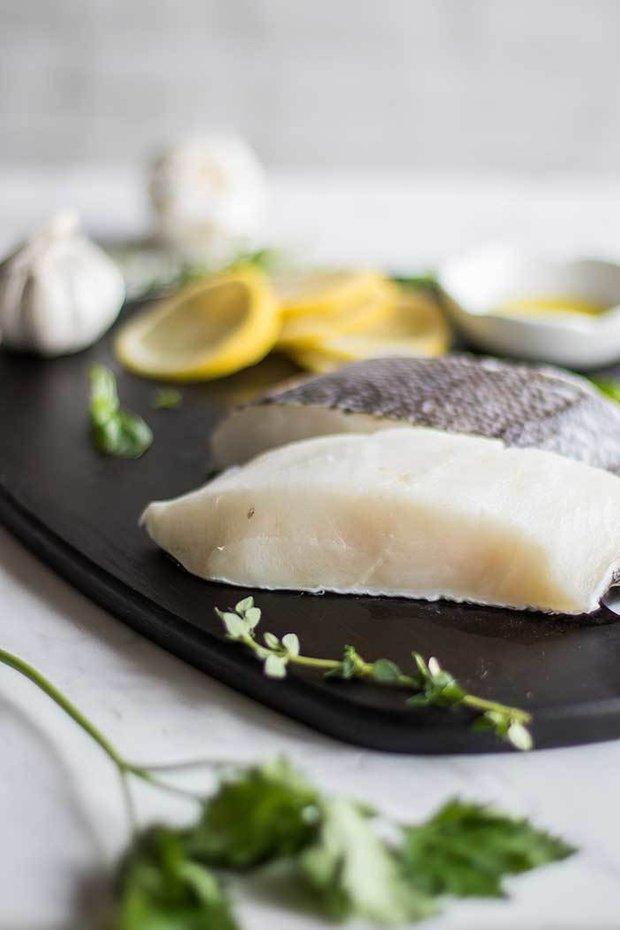Фотография:  в стиле , Ужин, Основное блюдо, Здоровое питание, Средиземноморская кухня, Секреты кулинарии, Кулинарные рецепты, 30 минут, Овощи, Просто, Треска, Запекание – фото на INMYROOM