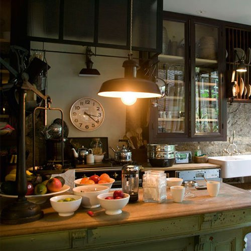 Фотография: Кухня и столовая в стиле Прованс и Кантри, Современный, Декор интерьера, Часы, Декор дома – фото на InMyRoom.ru