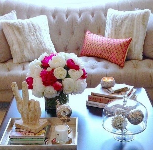 Фотография: Гостиная в стиле Современный, Декор интерьера, Аксессуары, Декор, Декор дома, Цветы, Журнальный столик – фото на INMYROOM