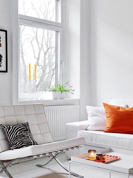 Фотография: Гостиная в стиле Современный, Скандинавский, Декор интерьера, Квартира, Цвет в интерьере, Дома и квартиры, Стены, Пол – фото на INMYROOM
