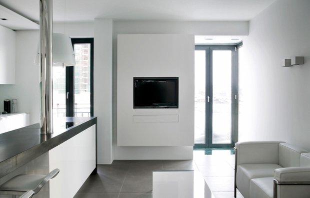 Фотография: Гостиная в стиле Современный, Малогабаритная квартира, Квартира, Цвет в интерьере, Дома и квартиры, Белый, Минимализм – фото на INMYROOM