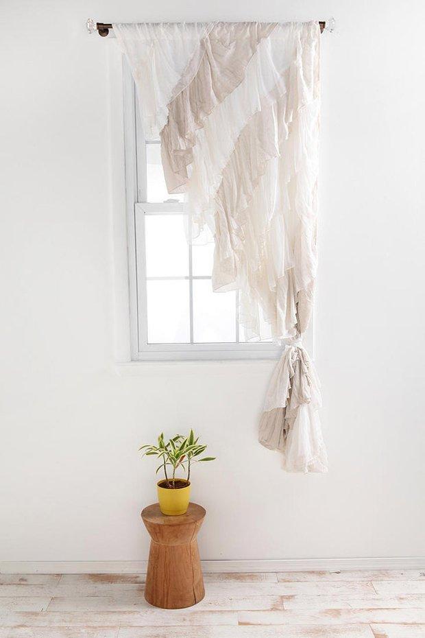 Фотография: Декор в стиле Скандинавский, Декор интерьера, Текстиль, Подушки, Шторы – фото на INMYROOM