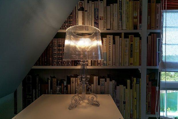 Фотография: Мебель и свет в стиле Современный, Спальня, Лофт, Интерьер комнат, Дача, Дачный ответ, Библиотека, Мансарда – фото на INMYROOM