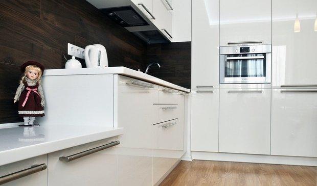 Фотография: Кухня и столовая в стиле Современный, Малогабаритная квартира, Индустрия, События, Проект недели, Перепланировка – фото на INMYROOM