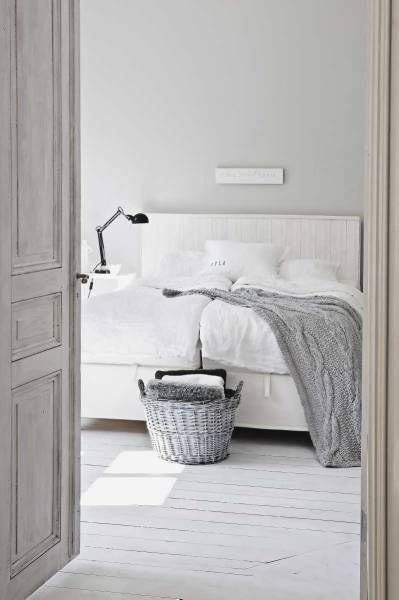 Фотография: Спальня в стиле Скандинавский, Мебель и свет, Стиль жизни, Советы – фото на INMYROOM
