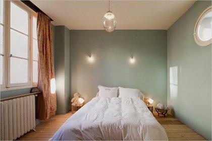 Фотография: Спальня в стиле Минимализм, Дом, Дома и квартиры, Лестница – фото на INMYROOM
