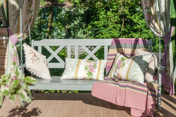 Фотография: Балкон, Терраса в стиле Прованс и Кантри, Кухня и столовая, Дом, Дома и квартиры, Камин, Беседка – фото на InMyRoom.ru