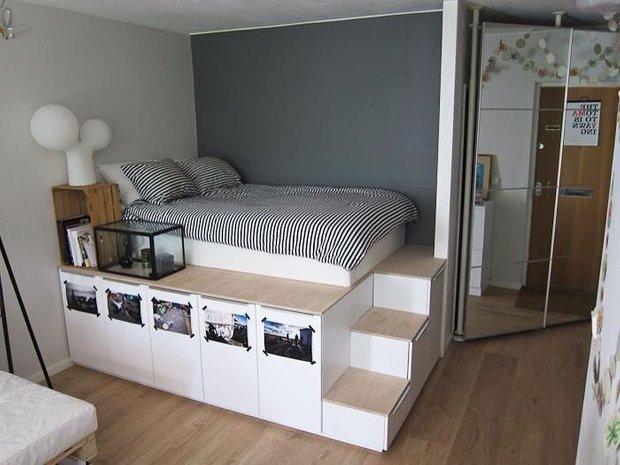 Фотография: Спальня в стиле Современный, Малогабаритная квартира, Квартира, Советы, Бежевый, Бирюзовый, Зонирование, как зонировать комнату, как зонировать однушку, как зонировать однокомнатную квартиру – фото на INMYROOM