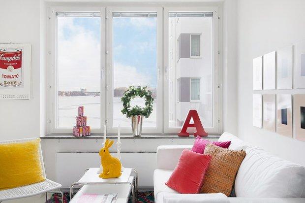 Фотография: Гостиная в стиле Современный, Скандинавский, Малогабаритная квартира, Квартира, Цвет в интерьере, Дома и квартиры – фото на INMYROOM