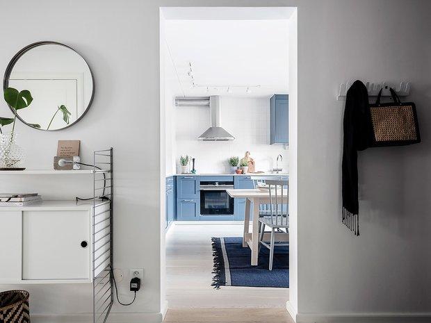 Фотография: Прихожая в стиле Скандинавский, Декор интерьера, Квартира, Планировки, Декор, Белый, Синий, Серый, Эко, 2 комнаты – фото на INMYROOM