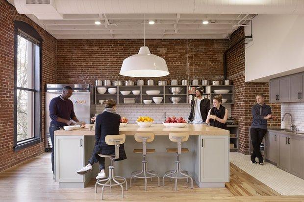 Фотография: Прихожая в стиле Современный, Лофт, Декор интерьера, Офисное пространство, Офис – фото на INMYROOM