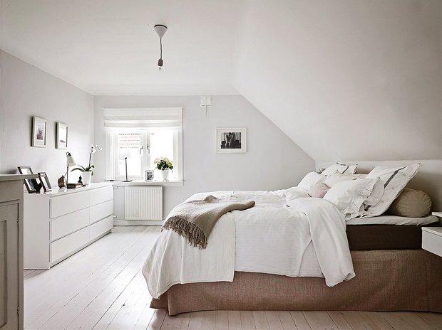 Фотография: Спальня в стиле Скандинавский, Современный, Декор интерьера, Дизайн интерьера, Цвет в интерьере, Советы, Белый – фото на INMYROOM