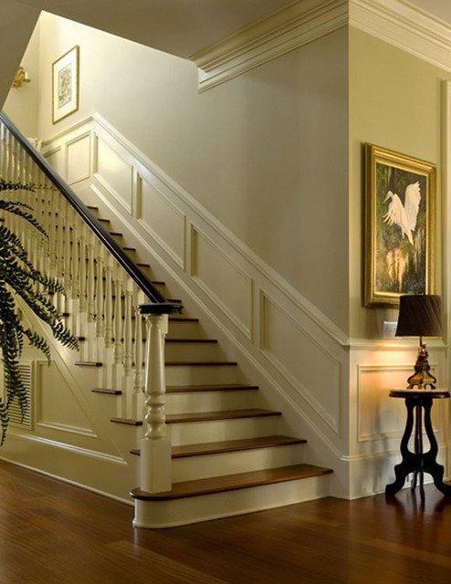 Фотография: Прихожая в стиле Классический, Декор интерьера, Дом, Мебель и свет – фото на INMYROOM