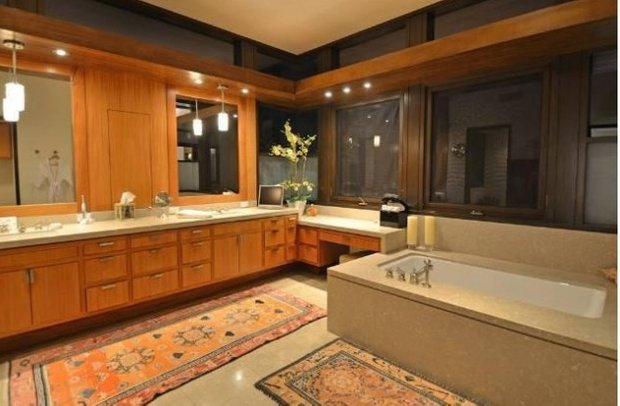 Фотография: Ванная в стиле Классический, Современный, Дом, Дома и квартиры, Интерьеры звезд – фото на InMyRoom.ru