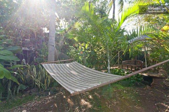 Фотография: Прихожая в стиле Современный, Декор интерьера, Текстиль, Airbnb, Гамак – фото на INMYROOM