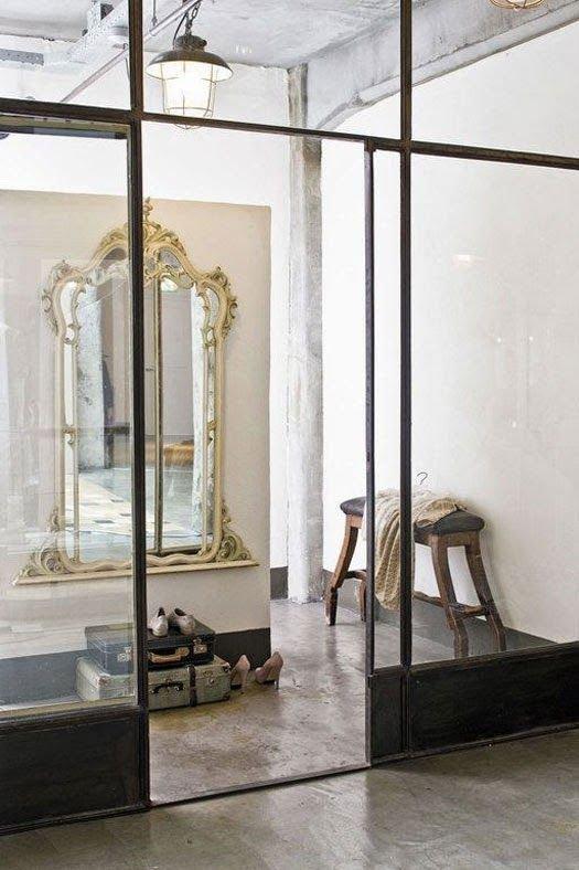 Фотография: Прихожая в стиле Эклектика, Декор интерьера, Мебель и свет – фото на INMYROOM