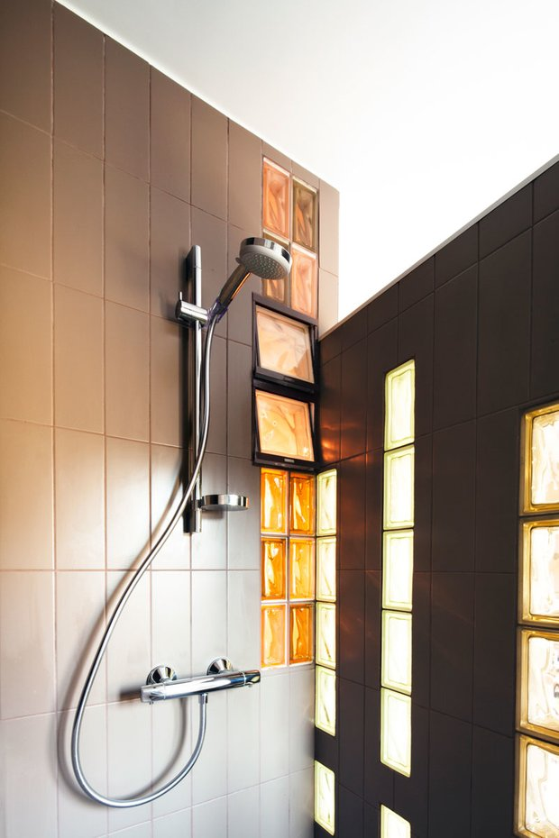Фотография: Ванная в стиле Современный, Малогабаритная квартира, Квартира, Франция, Планировки, Дома и квартиры, Париж – фото на INMYROOM
