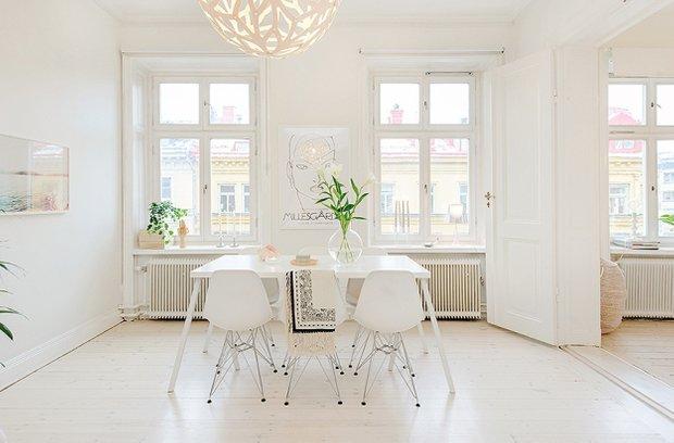 Фотография: Кухня и столовая в стиле Скандинавский, Современный, Малогабаритная квартира, Квартира, Цвет в интерьере, Дома и квартиры, Белый – фото на INMYROOM
