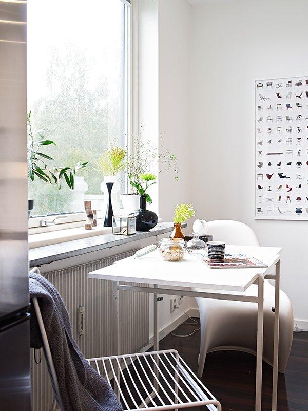 Фотография: Кухня и столовая в стиле Скандинавский, Современный, Декор интерьера, Малогабаритная квартира, Квартира, Швеция, Дома и квартиры – фото на INMYROOM