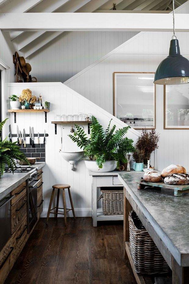 Фотография: Кухня и столовая в стиле Скандинавский, Декор интерьера, Дом, Австралия, Белый, Черный, как обустроить дом – фото на INMYROOM