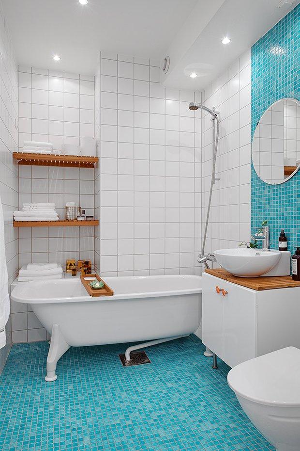 Фотография: Ванная в стиле Скандинавский, Современный, Малогабаритная квартира, Квартира, Швеция, Мебель и свет, Дома и квартиры, Белый – фото на INMYROOM