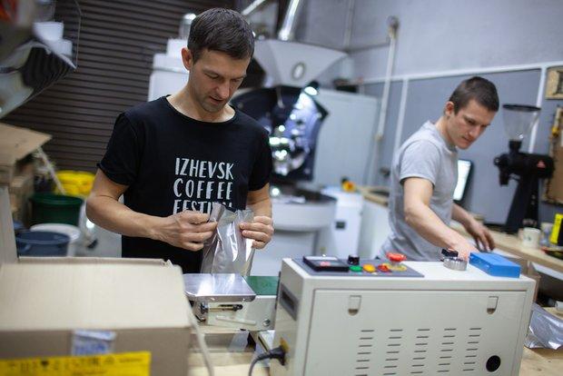 Фотография:  в стиле , Советы, доставка, Яндекс.Go, грузовая доставка, хороший кофе, купить кофе для дома, выбрать кофе, обжарка, Silky Drum – фото на INMYROOM