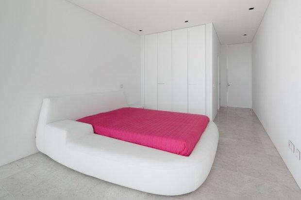 Фотография: Спальня в стиле Современный, Хай-тек, Декор интерьера, Декор дома – фото на INMYROOM