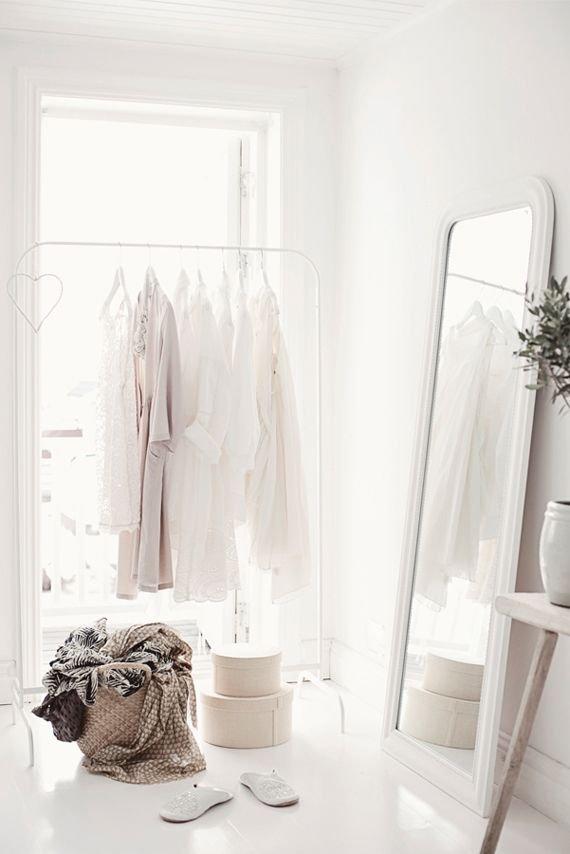 Фотография: Спальня в стиле Скандинавский, Декор интерьера, Малогабаритная квартира, Квартира, Советы – фото на INMYROOM