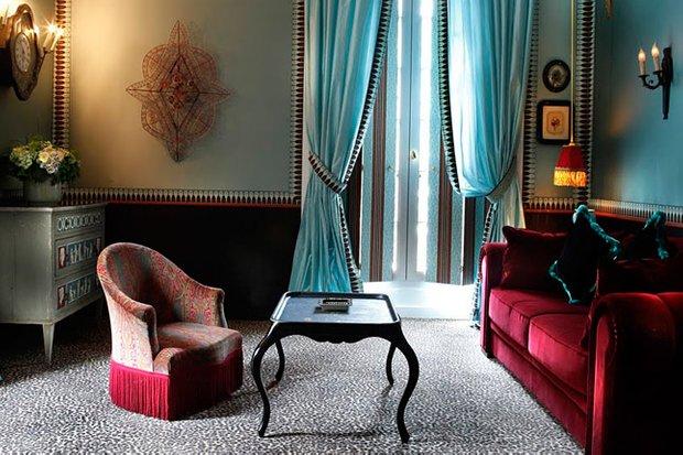 Фотография: Гостиная в стиле , Декор интерьера, Франция, Антиквариат, Цвет в интерьере, Индустрия, Люди, История дизайна, Ампир – фото на INMYROOM