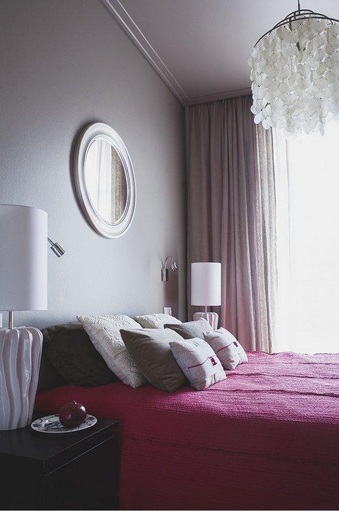 Фотография: Спальня в стиле Современный, Цвет в интерьере, Советы, Белый, Красный, Бежевый, Серый, Ирина Крашенинникова – фото на INMYROOM