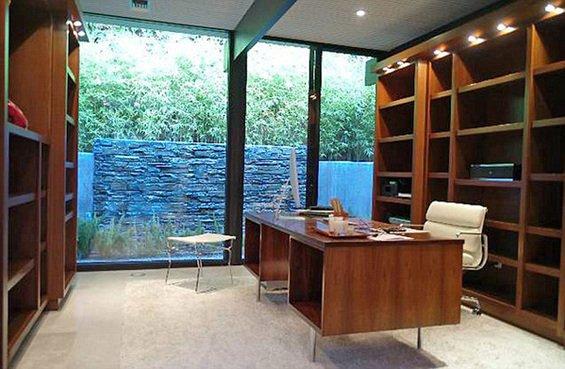 Фотография: Кабинет в стиле Современный, Дома и квартиры, Интерьеры звезд – фото на INMYROOM