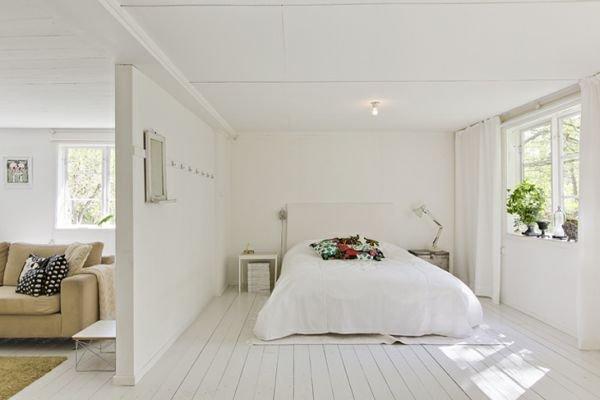 Фотография: Спальня в стиле Скандинавский, Декор интерьера, Декор дома, Цвет в интерьере, Белый, Эко – фото на INMYROOM