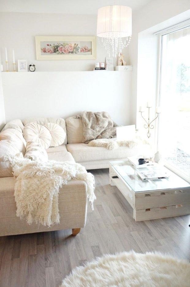 Фотография: Спальня в стиле Скандинавский, Гостиная, Квартира, Декор, Советы, Стены, Ремонт на практике, освещение – фото на INMYROOM