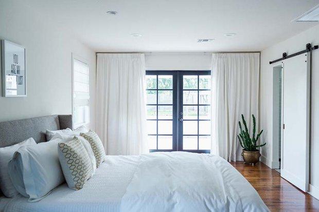 Фотография: Спальня в стиле Скандинавский, Белый, Минимализм, Переделка, Ремонт на практике – фото на INMYROOM