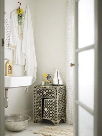 Фотография: Ванная в стиле Восточный, Декор интерьера, Дом, Декор дома, Цвет в интерьере – фото на INMYROOM
