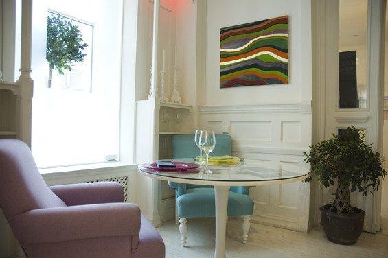 Фотография: Кухня и столовая в стиле Прованс и Кантри, Декор интерьера, Дом, Декор дома, Картина – фото на INMYROOM