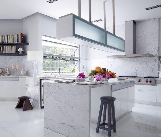 Фотография: Кухня и столовая в стиле Современный, Гид, Жан-Луи Денио – фото на INMYROOM
