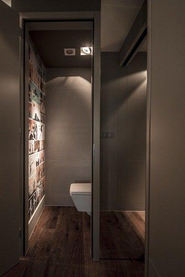 Фотография: Ванная в стиле Современный, Малогабаритная квартира, Квартира, Цвет в интерьере, Дома и квартиры, Серый, Умный дом, Будапешт – фото на INMYROOM