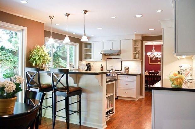 Фотография: Кухня и столовая в стиле Классический, Гостиная, Декор интерьера, Квартира, Студия, Дом, барная стойка на кухне, кухня-гостиная с барной стойкой – фото на INMYROOM