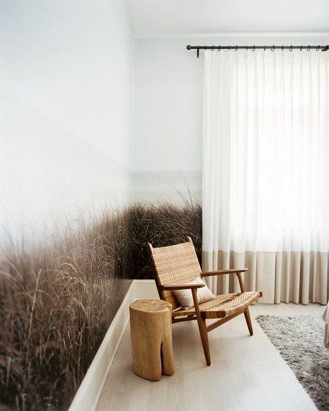 Фотография:  в стиле , Декор интерьера, Декор, Советы, Фотообои, отделка стен в ванной, декор стен в студии, зонирование в студии – фото на INMYROOM