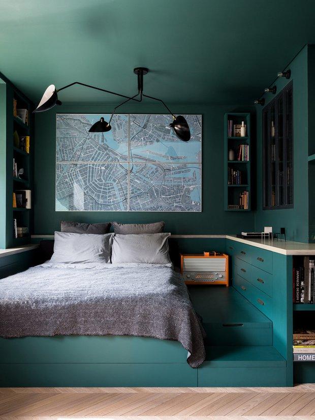 Фотография: Спальня в стиле Скандинавский, Современный, Советы, Гид, хранение в квартире, однушка – фото на INMYROOM