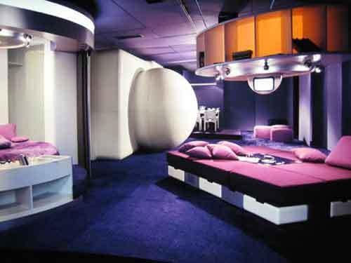 Фотография: Спальня в стиле Хай-тек, Стиль жизни, Советы, Поп-арт, Баухауз, История дизайна – фото на INMYROOM