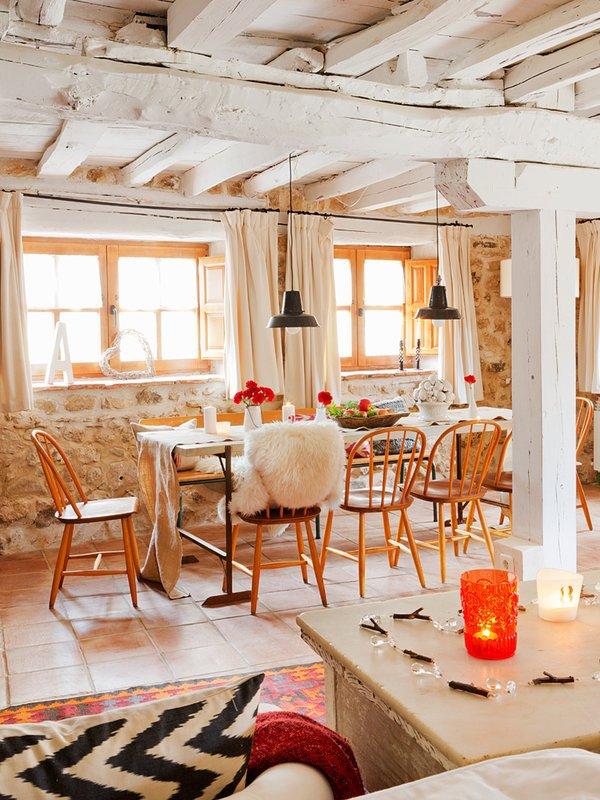 Фотография: Кухня и столовая в стиле Прованс и Кантри, Скандинавский, Декор интерьера, Дом, Аксессуары, Красный – фото на INMYROOM