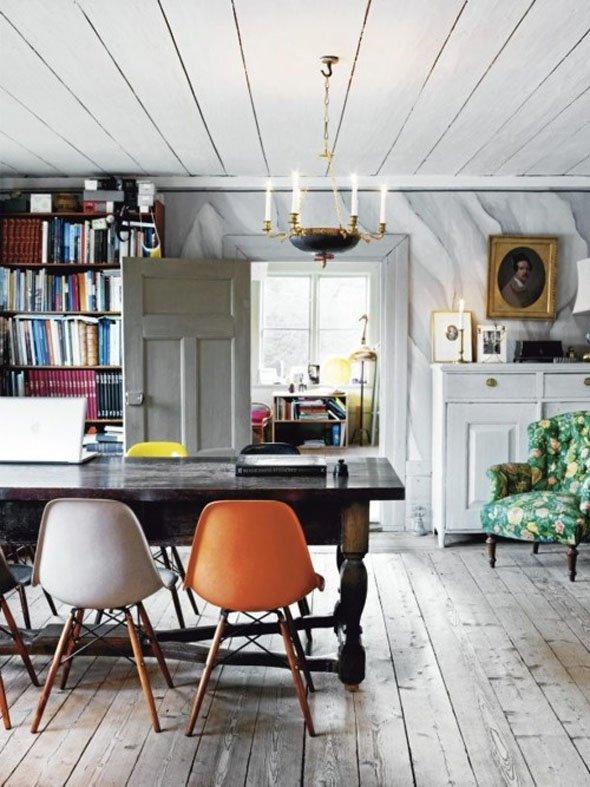 Фотография: Кухня и столовая в стиле Прованс и Кантри, Скандинавский, Современный, Системы хранения, Библиотека, Домашняя библиотека – фото на INMYROOM