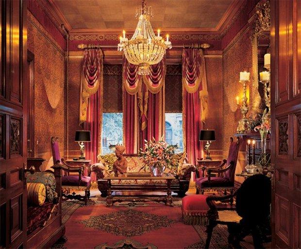 Фотография: Гостиная в стиле Классический, Современный, Дома и квартиры, Интерьеры звезд – фото на INMYROOM
