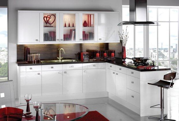 Фотография: Кухня и столовая в стиле Восточный, Декор интерьера, Дизайн интерьера, Цвет в интерьере, Черный, Пол – фото на INMYROOM