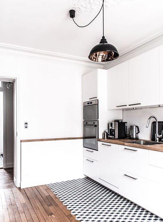 Фотография: Кухня и столовая в стиле Скандинавский, Советы, как зонировать студию, Марина Лаптева – фото на INMYROOM