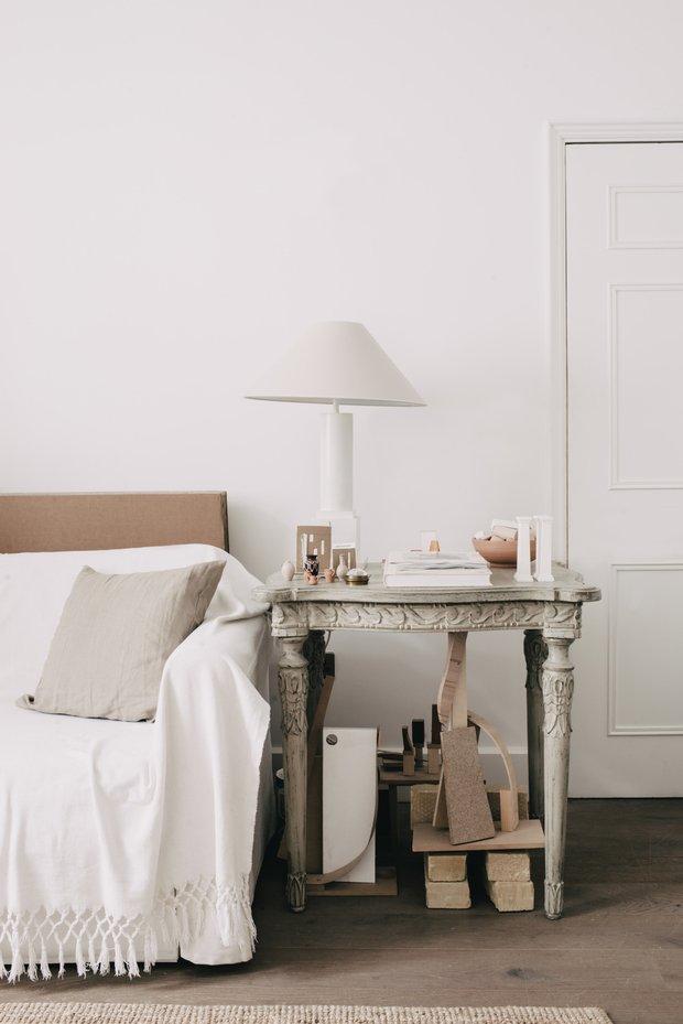 Фотография:  в стиле , Современный, Декор интерьера, Квартира, Белый, Минимализм, до 40 метров – фото на INMYROOM