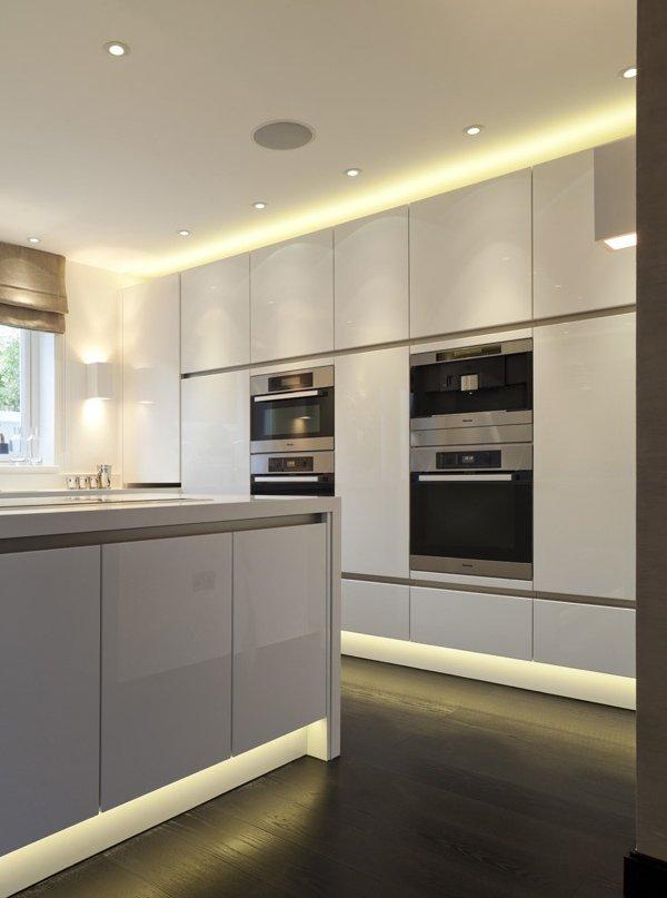 Фотография: Кухня и столовая в стиле Минимализм, Декор интерьера, Декор, Мебель и свет, освещение – фото на INMYROOM